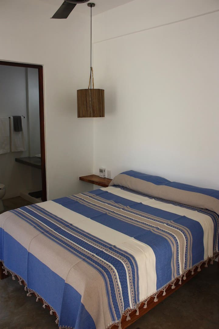 Poolside Room with 1 Queen Bed