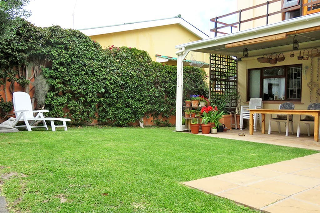 Guests have the use of the garden & patio where they can have a barbeque and enjoy al fresco meals