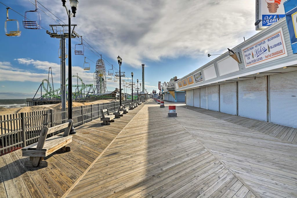 You'll be within a 5-minute walk from the boardwalk, beach, cafes, shops, and restaurants!