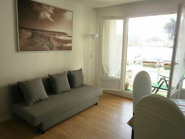 Appartement ensoleillé, 2 pièces 10 mn de la plage - Ouistreham - Leilighet