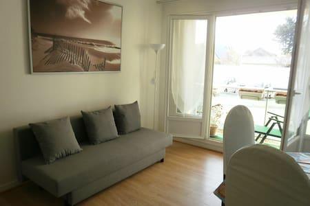 Appartement ensoleillé, 2 pièces 10 mn de la plage - Ouistreham - Huoneisto
