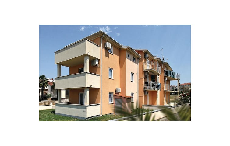 Holiday apartment with 1 bedroom on 33m² in Funtana