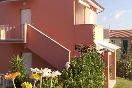 N 132 - Numana, nuovissimo trilocale con giardino - Numana