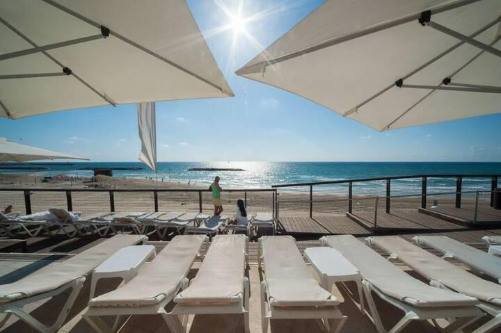 Luxurious new and amazing condo Daniel Hotel !!!!