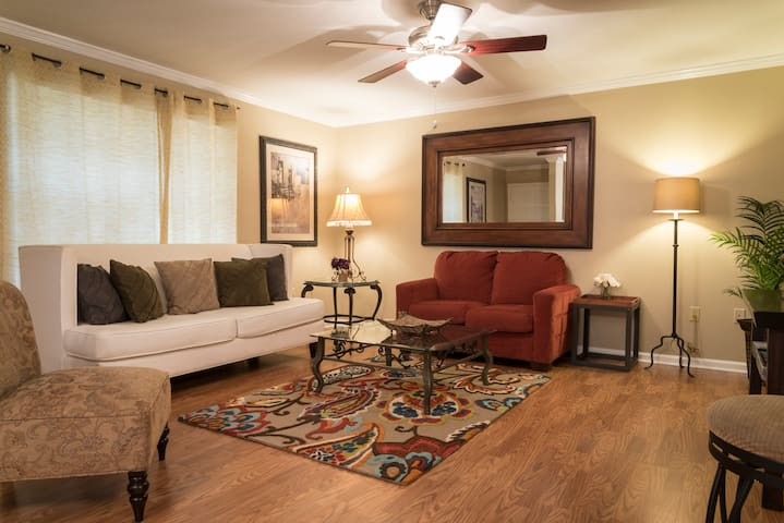 4 Bedroom 2 Bathroom Comfortable Furnished Home