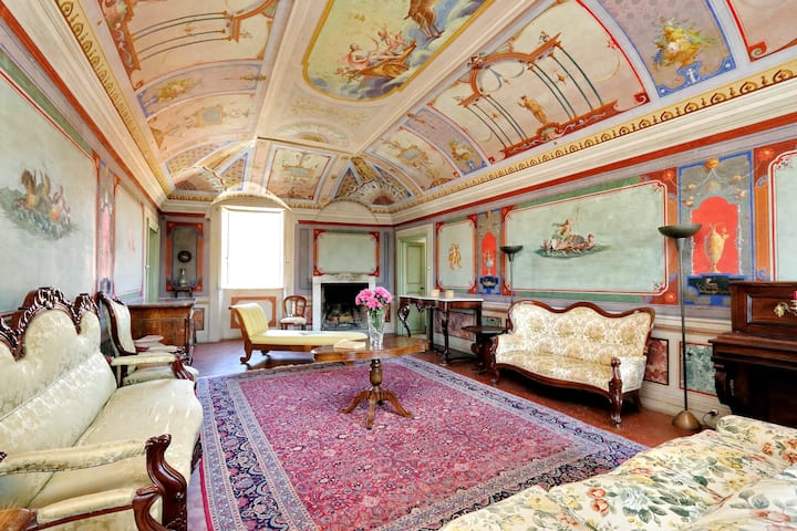 Charming Frescoed Apartment in Cerveteri Old Town
