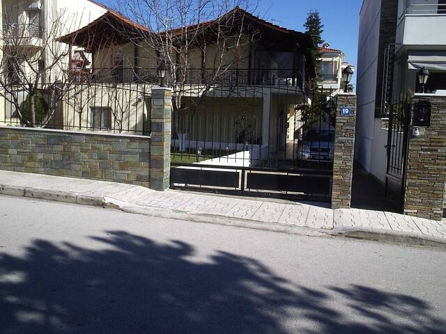 Large  apartment in a quiet residential area