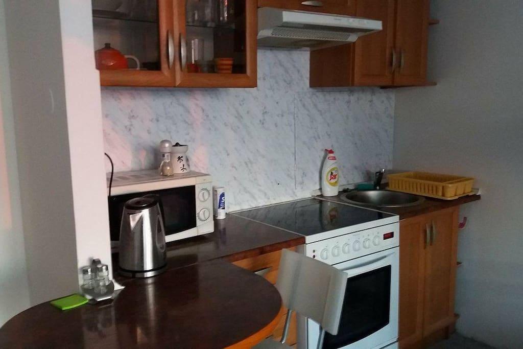 kitchen, kettle, microwave,stove