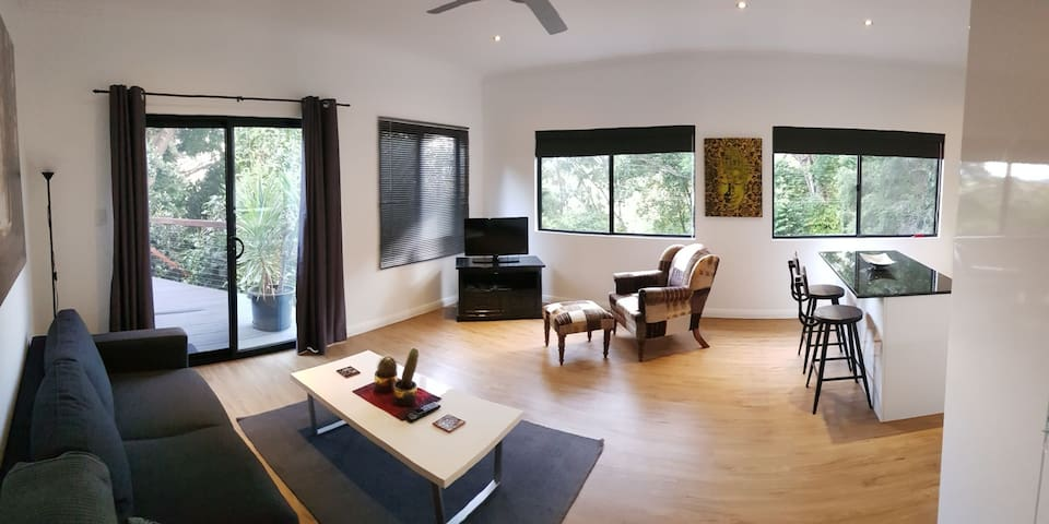 1 Bedroom rainforest loft apartment
