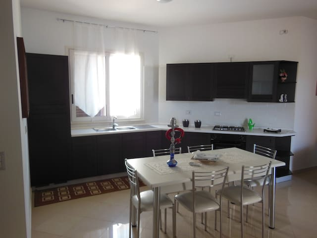 "casa vacanza "" Sweet Home Siracusa"" ( p.t. dx ) - Cassibile"