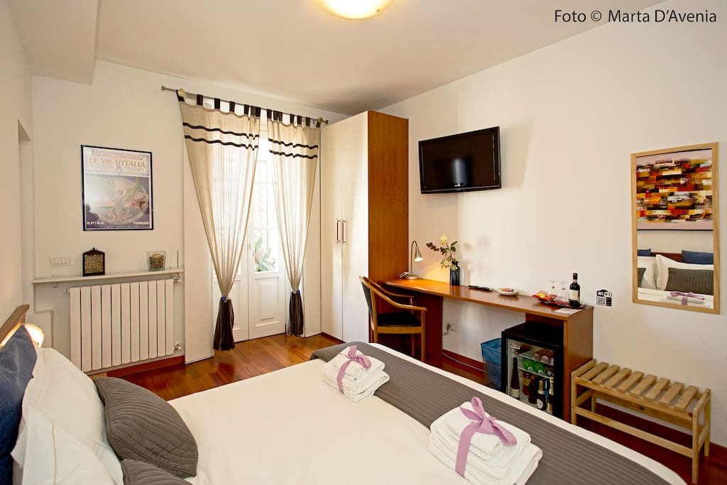 Big Room with Balcony, Desk, Tv, MiniBar and all conditioning