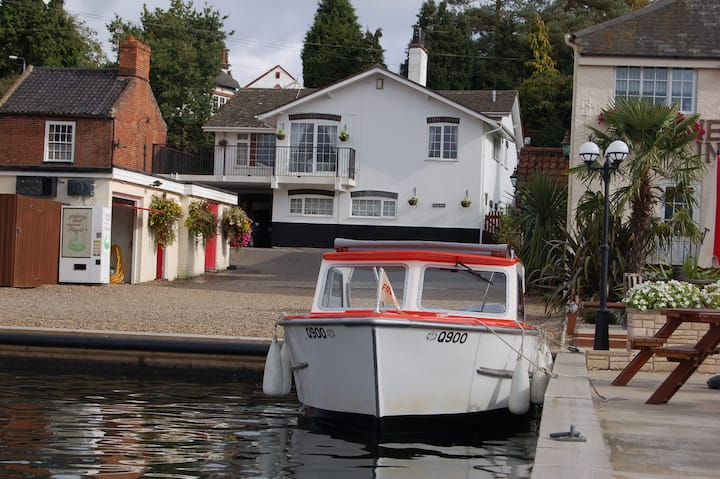 Norfolk Broads Home with a View
