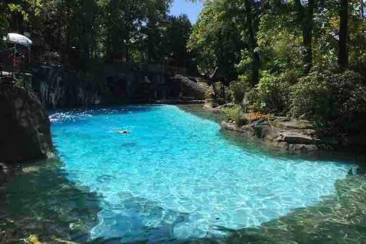 Gorgeous Mountain Creek Resort Condo