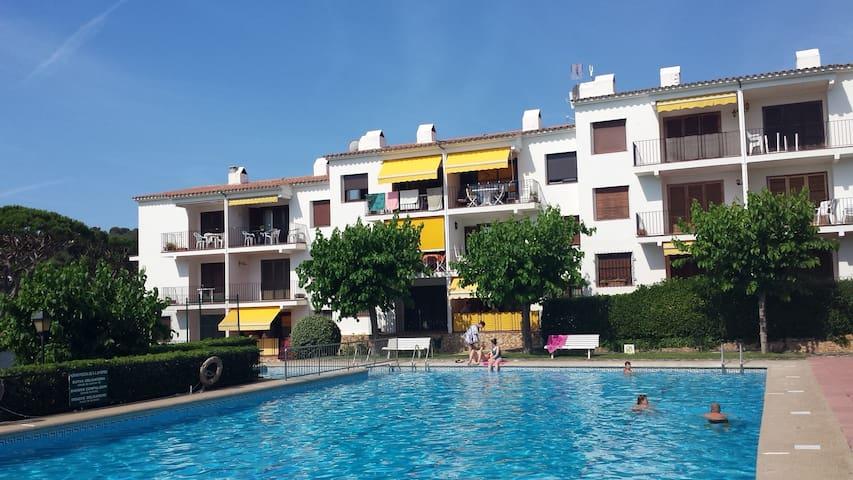 Bonito apartamento junto a la playa de Calella - Palafrugell - Appartement en résidence