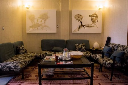 B&B Apartment, central Kazanchis & extras! Room A - Addis Ababa