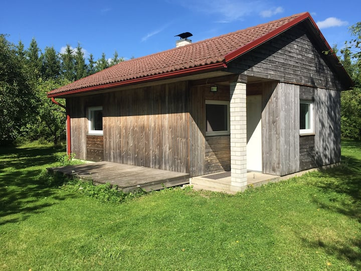 Kasesalu talu Maja Saaremaal, 4 km Kuressaarest