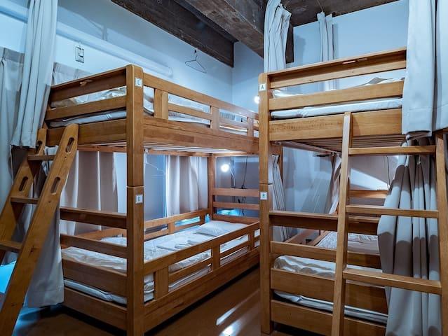 倉敷駅から徒歩3分。ドミトリー202号室の1ベッド