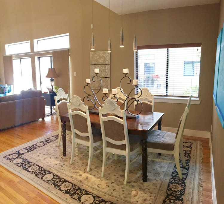 Six person dining area