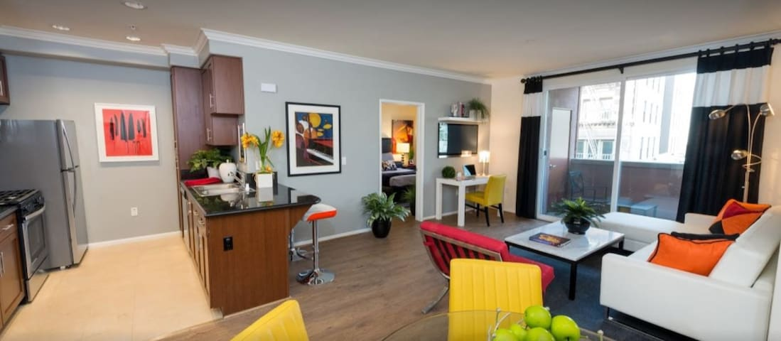2 bed 2 bath Brand New BEST IN LA - Los Angeles - Apartment