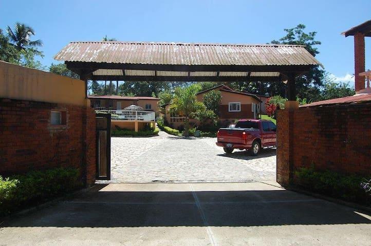2 bedroom villas (9 available) - ハラバコア - 別荘