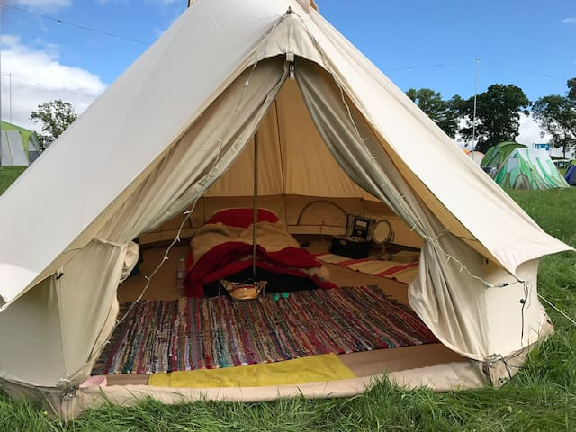 Bell tent, basic but 10 mins from Goodwood!