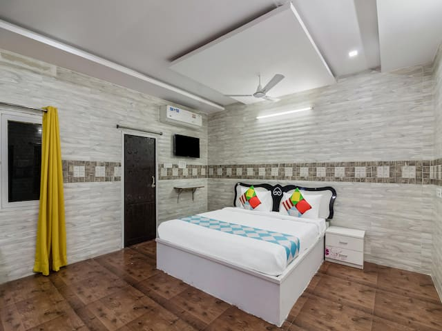 OYO - Well-Furnished 1BR Hideout in Hyderabad - Don't Miss!
