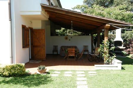 House near the sea with large garden in Sabaudia - Colle Piuccio - Casa