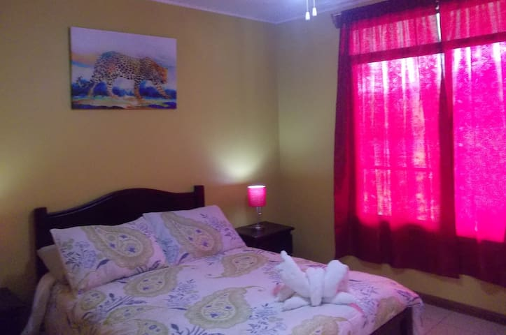 2 Private bdrm. Apart x4 guest fully equipped A/C - La Fortuna - Appartement