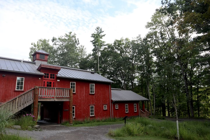 Red Maple Lodge -  includes all meals, onsite nature trails & more