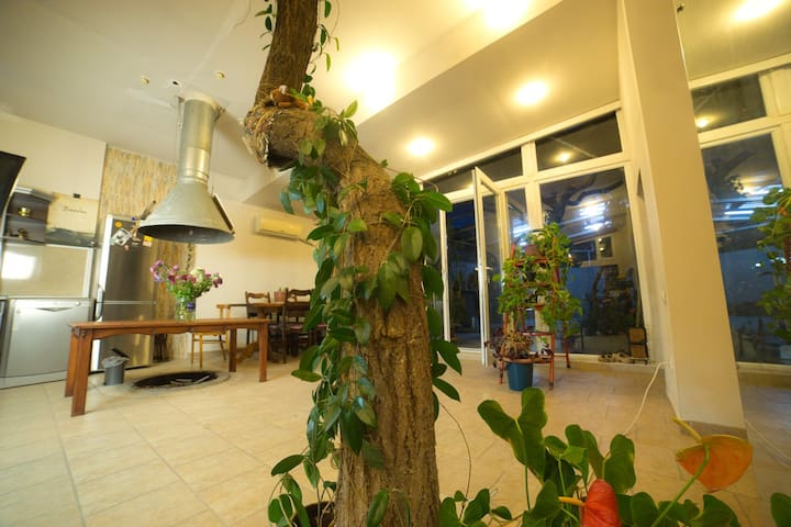 Artistic Tree House - Yerevan - Appartamento