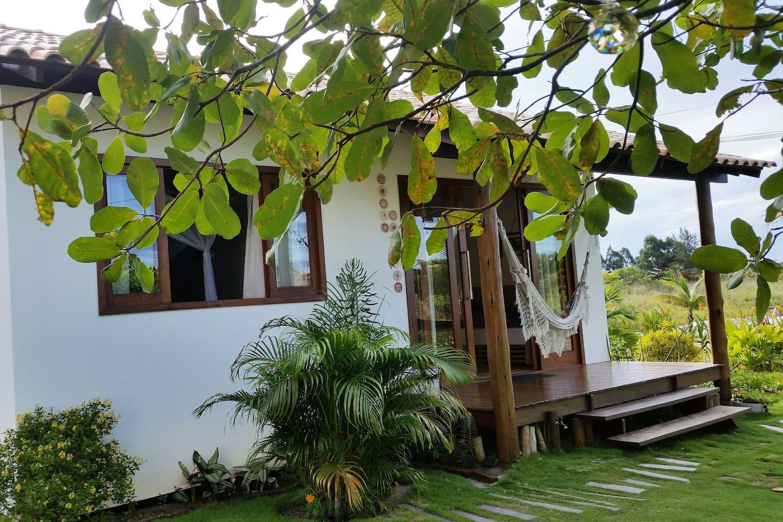 Casinha Capim-Limão, Charme e Conforto em meio aos encantos da Natureza.