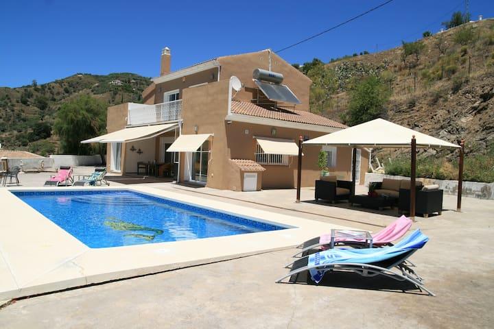 Luxe vakantie villa met uitzicht op zee - Arenas - Villa