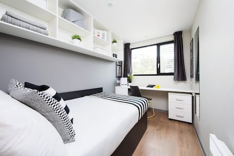 Modern Ensuite Student Only Rooms in Portsmouth