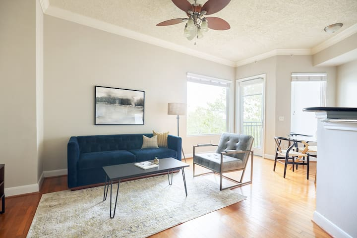 Sonder | Bayou on The Bend | Sunny 1BR + Pool