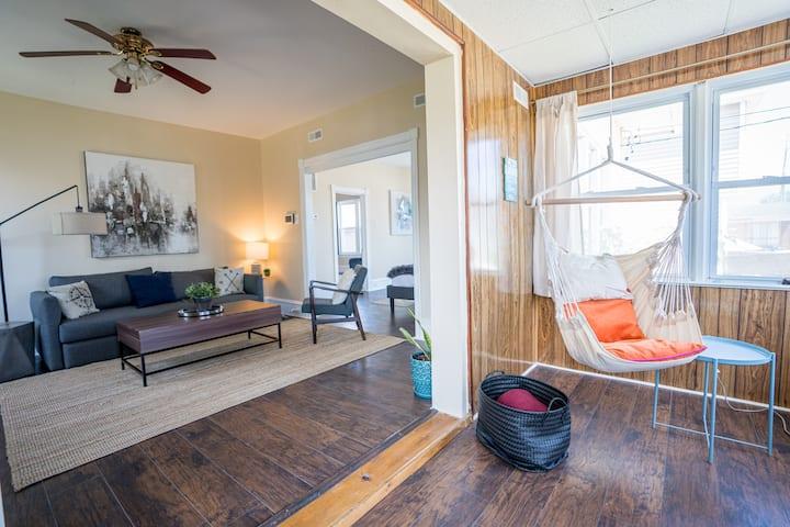 5 bedrooms AC Designer Island Paradise Getaway
