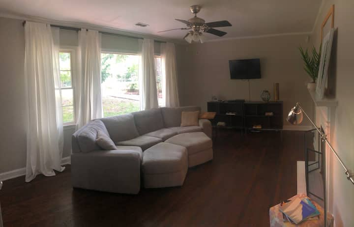 Beatie Bungalow near Airport, Marta and Downtown
