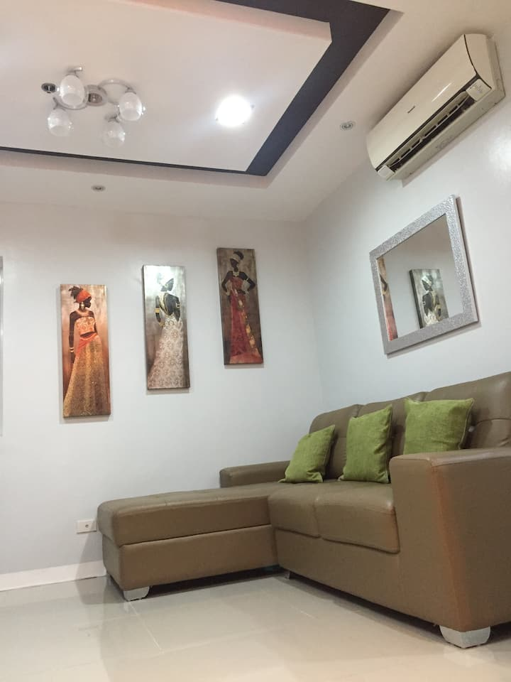Luxurious and Fully Furnished Condo At Primavera