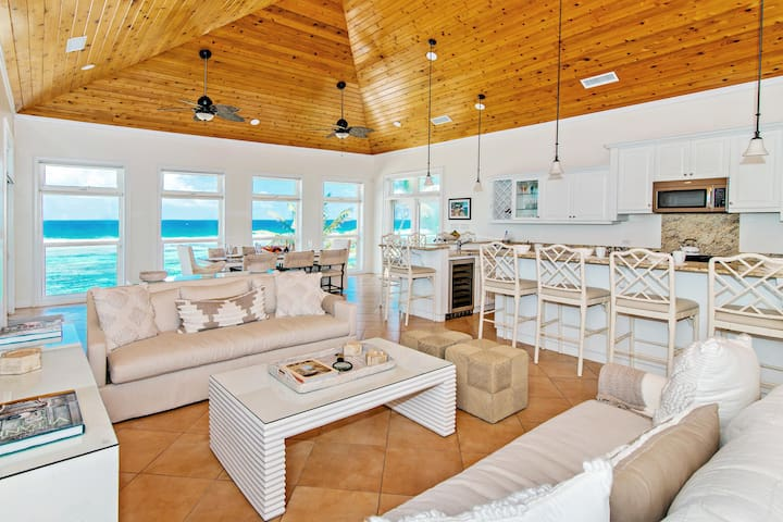 Hilltime: Private Pool, Sandy Backyard Beachfront & Oceanfront Terraces