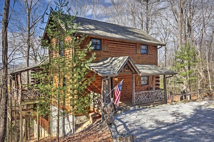 Stunning 4BR Cabin in Sapphire w/ Large Deck! - Sapphire - Sommerhus/hytte
