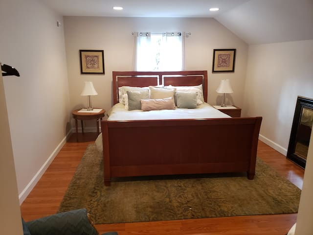 KING Size Comfort Corp/Golf Just 69 in Ballantyne!