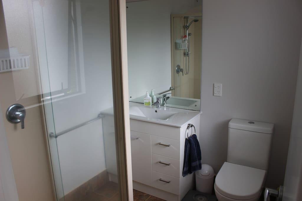 Private En suite (shower)