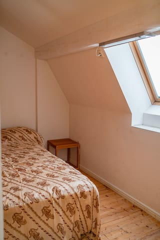 Room to East, 1 Bed