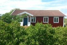 Summerhouse in sunny Byxelkrok