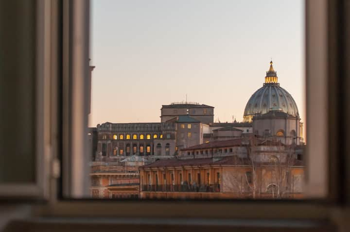 St. Peter's mirror -Romantic view-