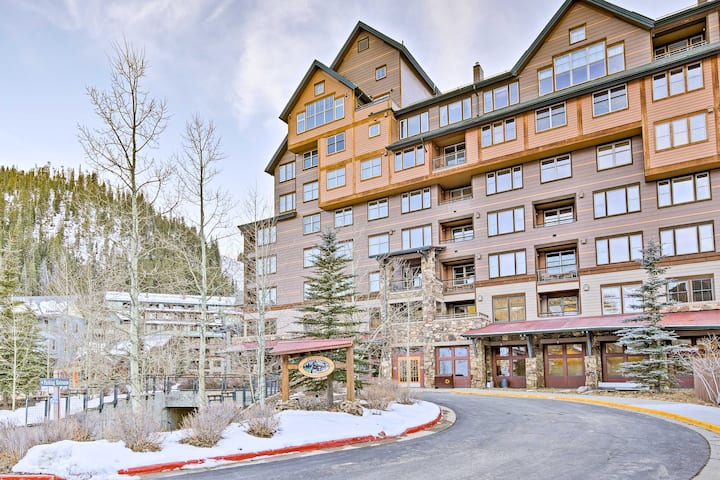 Ski-In/Ski-Out Winter Park Condo w/Resort Hot Tubs