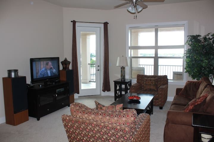 Condo on Lake LBJ with Great View!