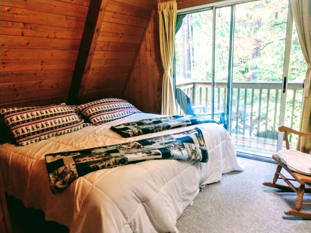 The 'Polar Bear Den' room is for 2 guests. For your convenience and comfort, we provide all sheets, pillows, blankets, comforters, bath towels, and washcloths.