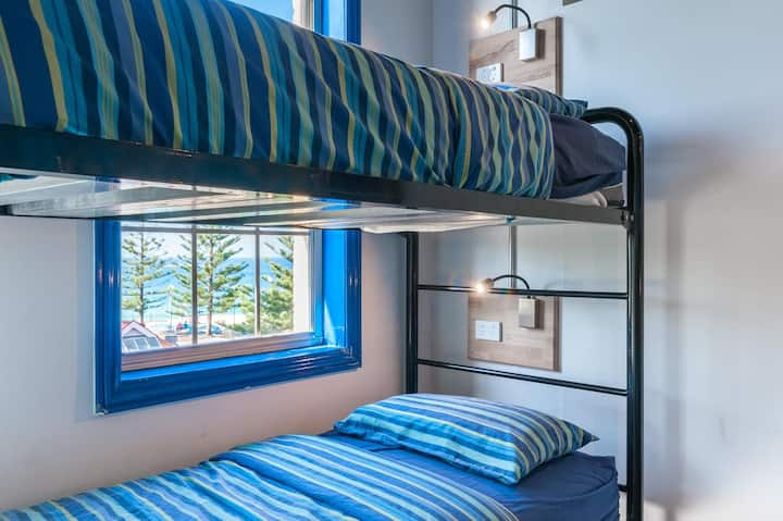 Mad Monkey Coogee Beach - Private room