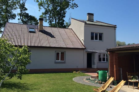 Cozy house 100m from the beach - Ventspils - House