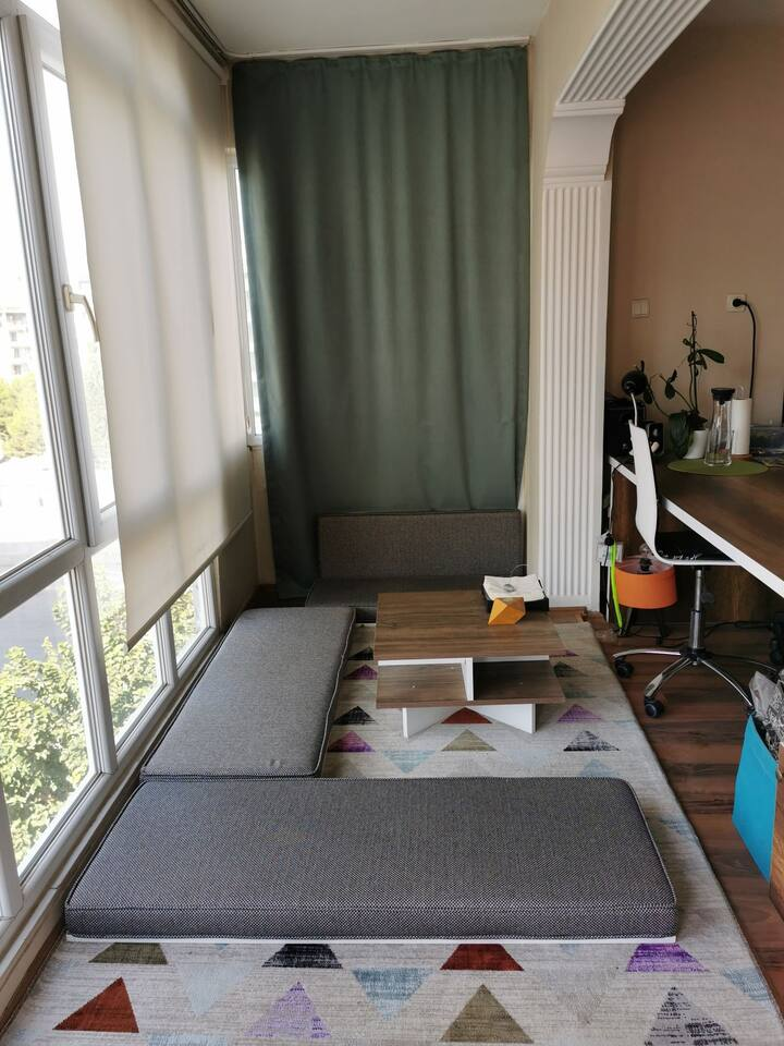 Sunny and comfortable room wlth a balcony, central